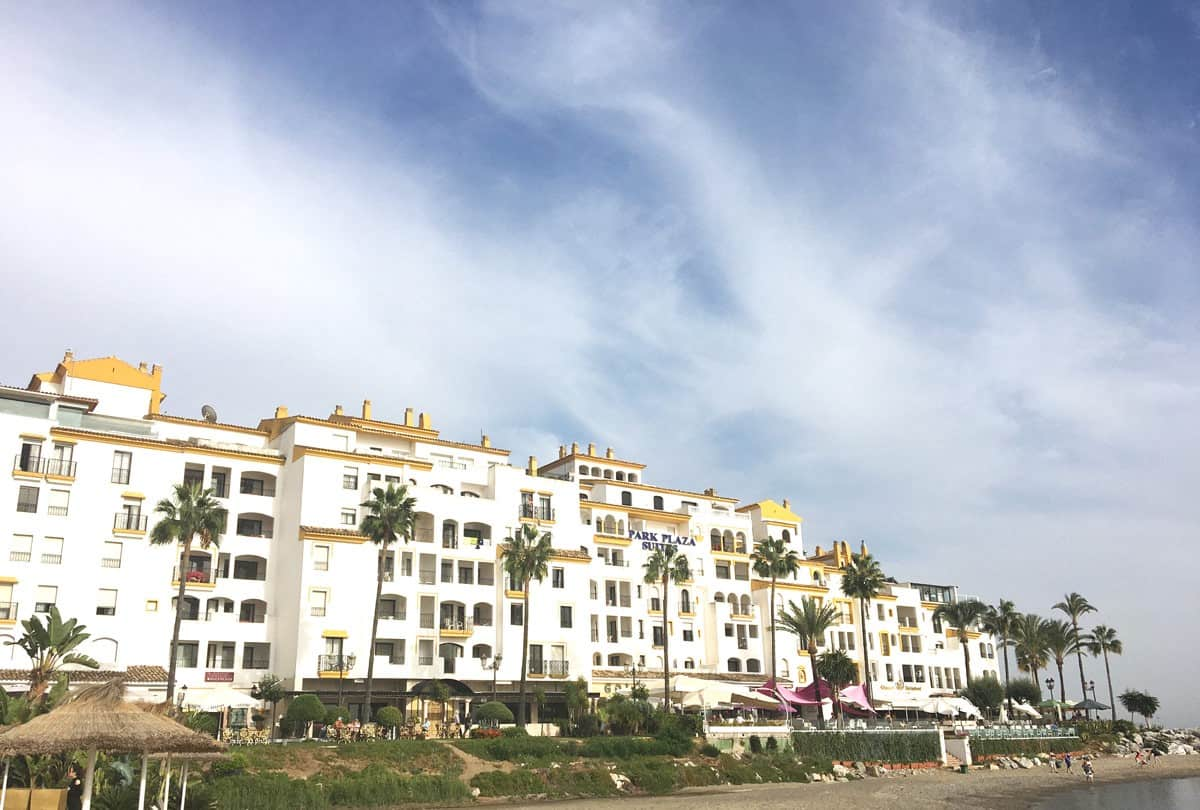 park plaza suites hotel golf accomodation